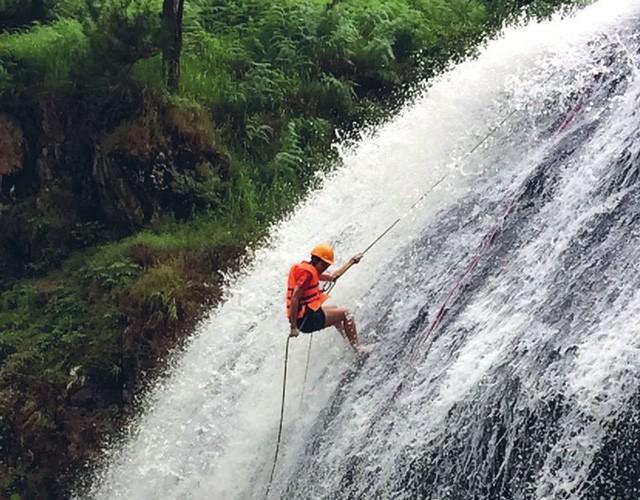 7 tầng thác của Dalanta khá kỳ vĩ, mỗi tầng có độ cao tăng dần. (Ảnh: Internet)