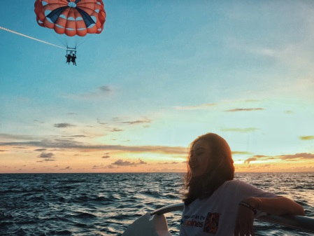 Theo chân hai cô bạn xinh đẹp khám phá thiên đường biển Boracay - Ảnh 9.