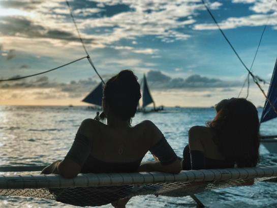 Theo chân hai cô bạn xinh đẹp khám phá thiên đường biển Boracay - Ảnh 12.