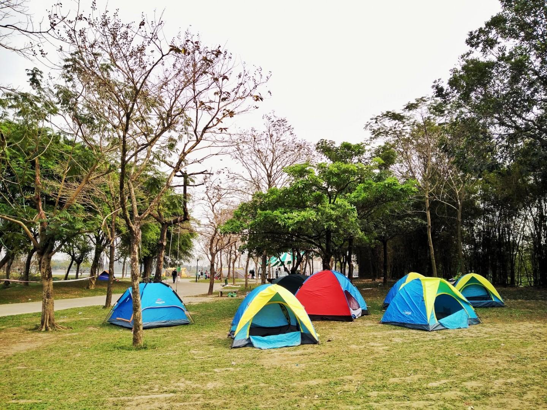 Một điểm cắm trại ven hồ lý tưởng