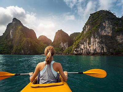 Kayak Tour (CB04) – Khám Phá Vịnh Lan Hạ & Vịnh Ba Trái Đào