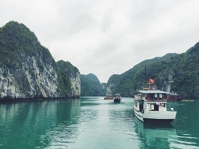 Tour sightseeing (CB06) - Du thuyền vịnh Lan Hạ & Ba Trái Đào