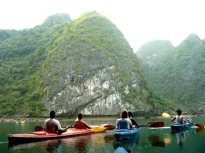 Kayak Tour (HN-CB01) - Khám phá kỳ thú đảo Cát Bà