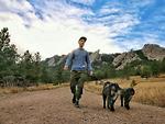 Chàng trai du lịch khắp nước Mỹ cùng 2 chú cún cưng