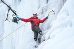 Cụ ông 69 tuổi cụt hai chân chinh phục thành công Everest