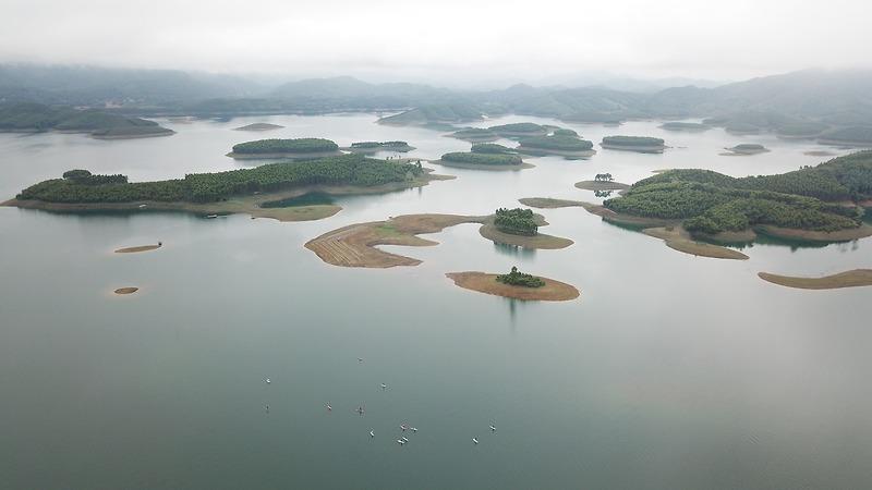 Chèo SUP, Cắm Trại & Khám Phá Hồ Thác Bà, Yên Bái